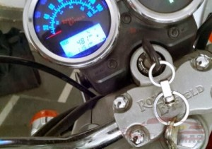 The Royal Enfield Thunderbird 350 Instrument console